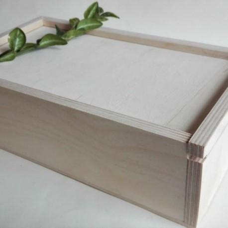 Pudełko z wysuwanym wiekiem